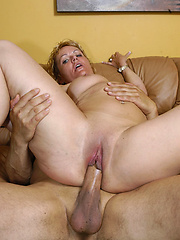 Sexy housewife knows how to fuck!