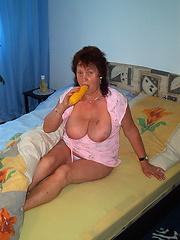 Solo masturbation of hot mature in the bedroom