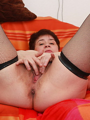 Granny wants for cock but now she has some sex toys