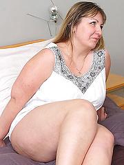 Fat mature sucking and fucking