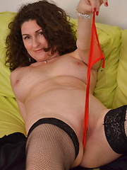 Lovely milf in sexy lingery