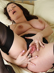 Nice boobs on this mature woman