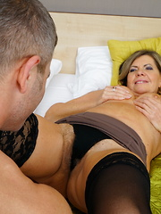 Naughty mature slut doing her lover hard and long